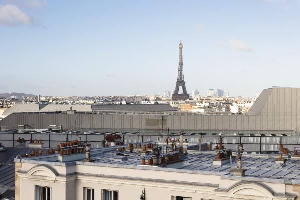 matali crasset Paris Tour Eiffel Tour Montparnasse  Le Buisson appartement couleur rénovation